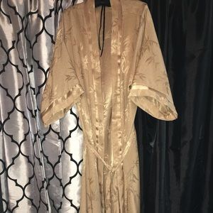 Other - Gold Robe